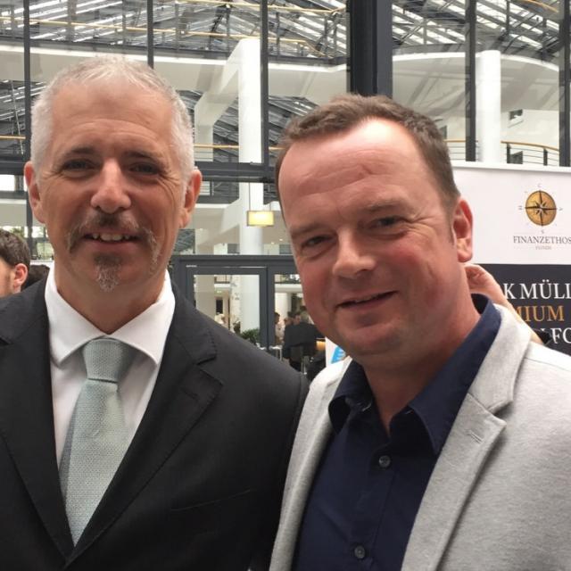 """... mit """"Mr. DAX"""" Dirk Müller in Berlin."""